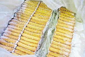 丸幸水産の倉庫に冷凍保管されている卵白不使用のさつま揚げ