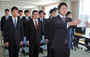 静岡県立漁業高等学園の卒業式。答辞を述べる小林さん