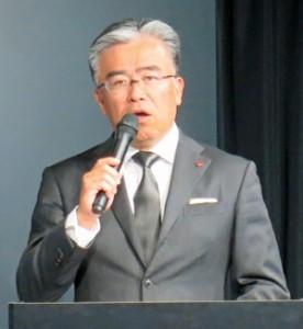 「カツオ節文化さらに広めたい」と会見で語る城戸社長