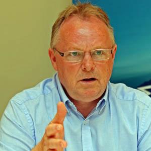 ノルウェーは資源管理漁業の最先端にいる、と答えるサンドバルグ漁業大臣