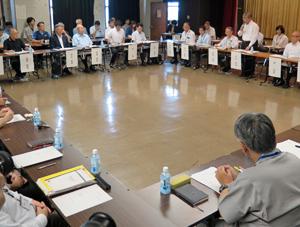 7月28日以来およそ2か月ぶりに開かれた新市場建設協議会