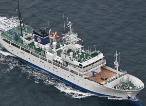 全通2層型を採用した全国有数の大型実習船7代目「若竹丸 」(北海道教育庁提供)