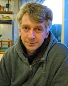 「反捕鯨活動はメディア団体」と語るアラバスター氏