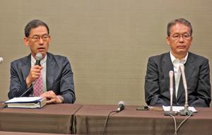 「漁業者の苦労を緩和したかった」と語る太田政府代表(左)と宮原議長