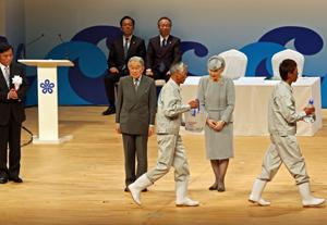 福岡県で開催された前回大会の式典。両陛下のご臨席は高知が最後となる
